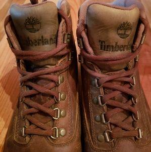 🌳 Timberland Boots